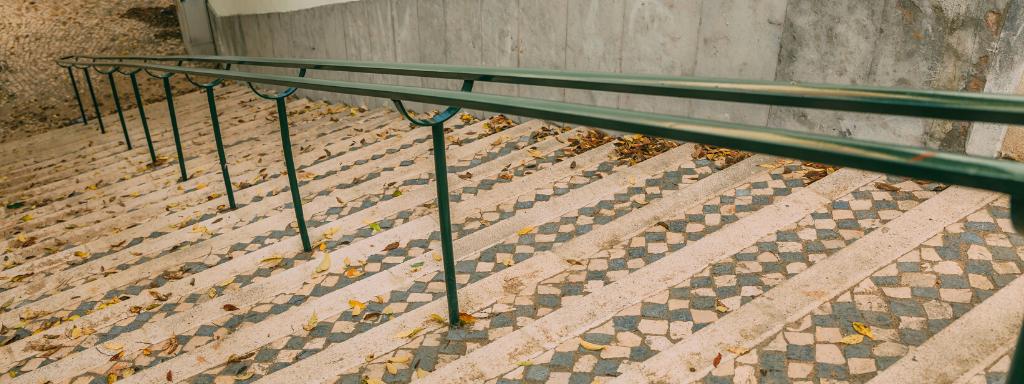 Requalificação das escadas da Estrada do Loureiro terminada